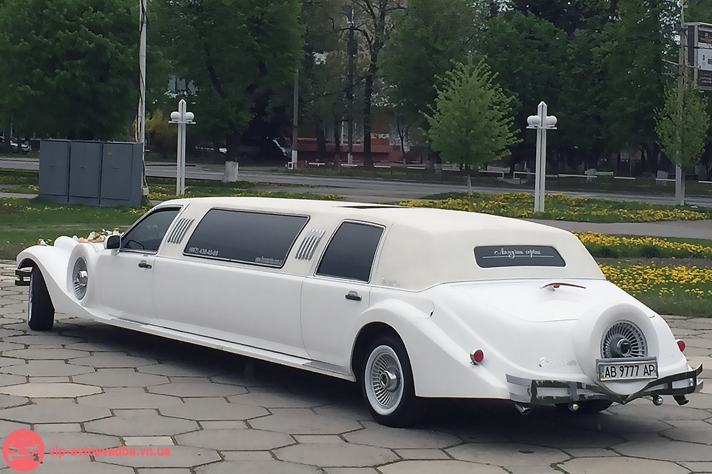 Ретро Excalibur Phantom лимузин